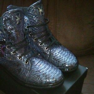 Mens  genuine python upscale sneakers